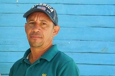 Andris is my man at the mine.  A lifelong resident of Bahoruco, Barahona, Andris grew up surrounded by larimar. He is a trusted source of quality raw material.